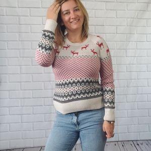 Bass Christmas sweater size medium